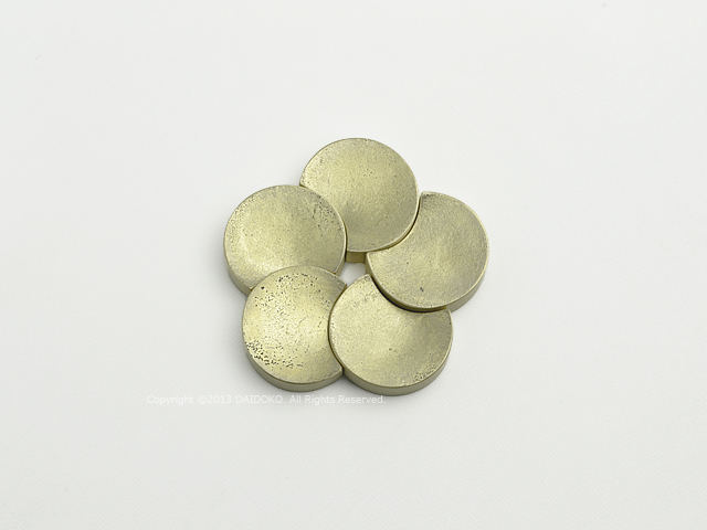 4d82f9f4b827 (5個入り) 五つ月 FUTAGAMI真鍮の生活用品箸置き