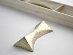 FUTAGAMI(フタガミ)の真鍮の箸置き『閃光』